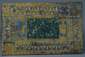 Green porphyry and enamel altar
